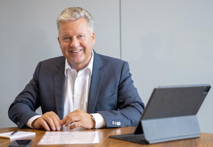 Portrait Datenschutzbeauftragter Mannus Weiß. Ihr Ansprechpartner für Datenschutz und DSGVO.